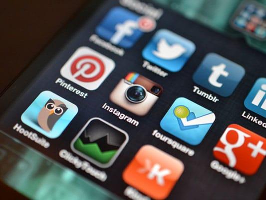 اثر شبکههای اجتماعی