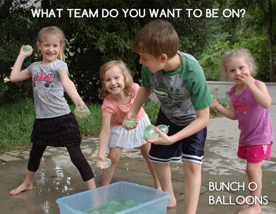 آب بازی با بادکنک