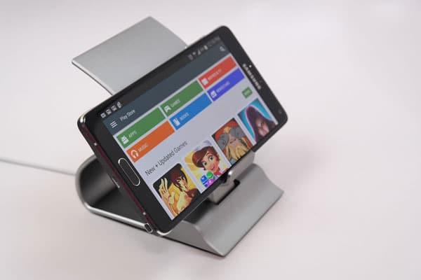 نگهدارنده و شارژر رومیزی Samsung