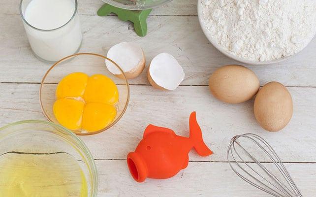 جدا کردن زرده تخم مرغ از سفیده
