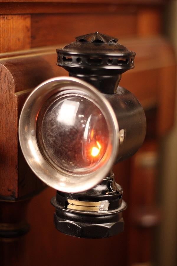 چراغ کالسکه قدیمی