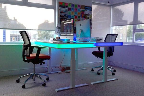 میز کامپیوتر مدرن LED دار