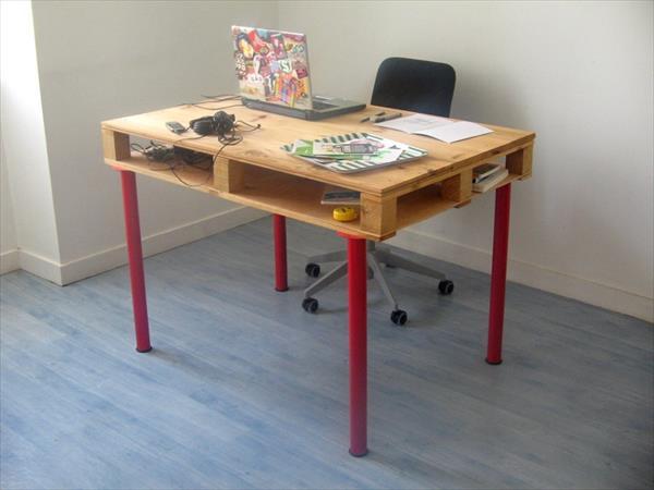میز کامپیوتر ساده چوبی تخته ای