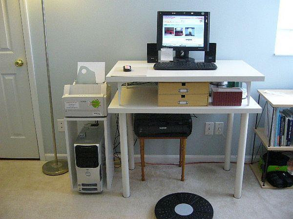 میز کامپیوتر ساده موقت