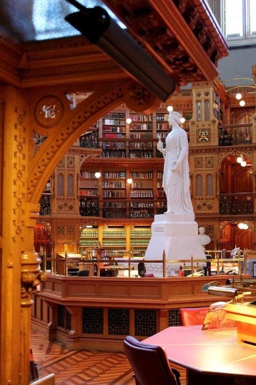 کتابخانه پارلمان کانادا