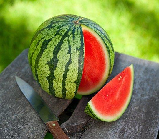 هندوانه رسیده قرمز