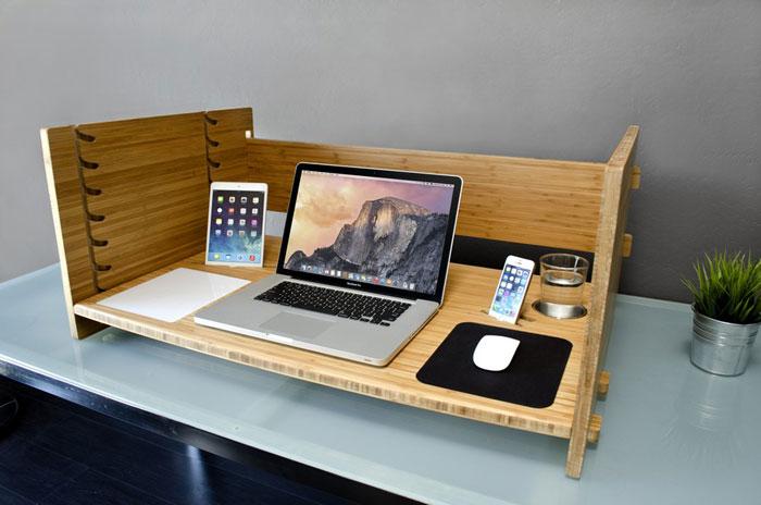میز لپ تاپ چوبی با تنظیم ارتفاع