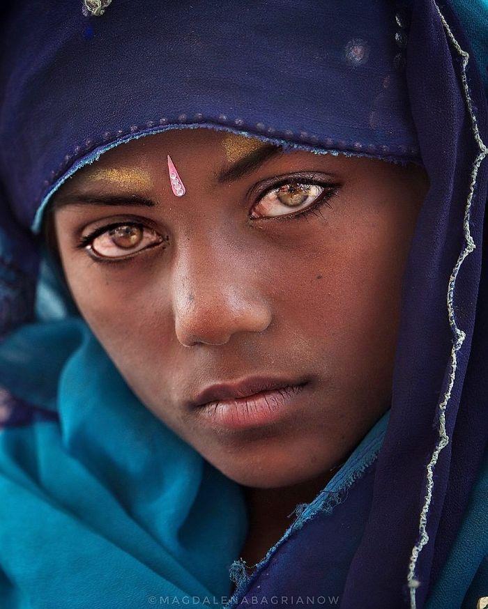 دختر جوان هندی
