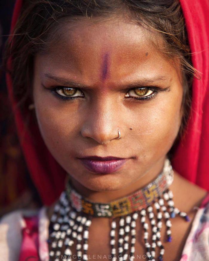دختر عصبانی هندی